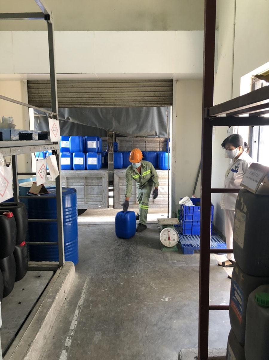 phân phối hóa chất công nghiệp giá rẻ